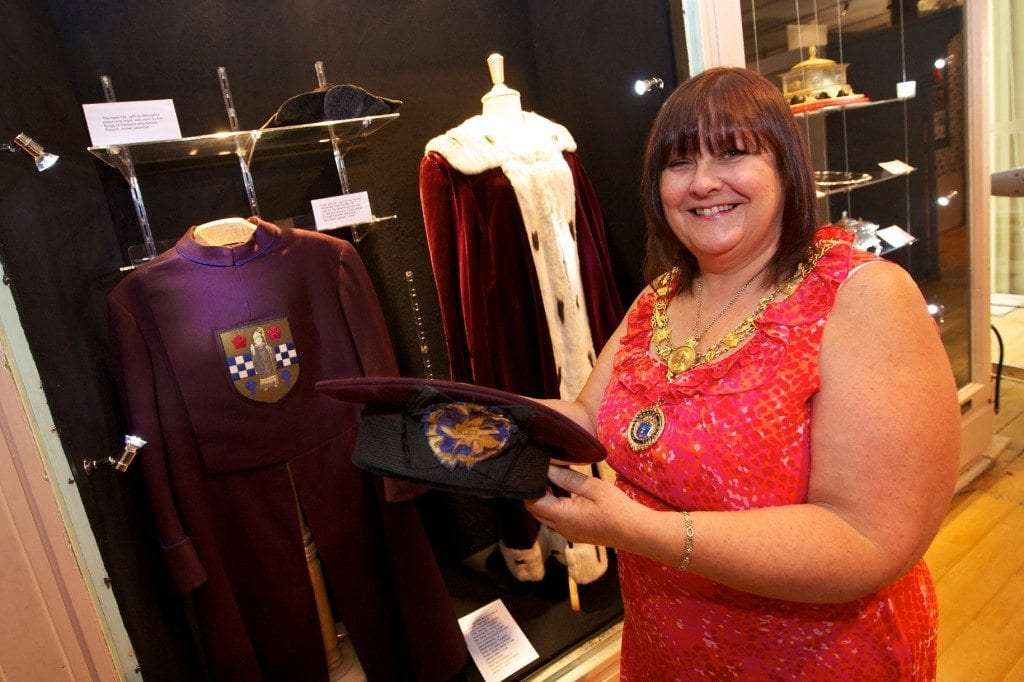 Provost Celia Lawson visits the Civic Regalia exhibition at Paisley Museum
