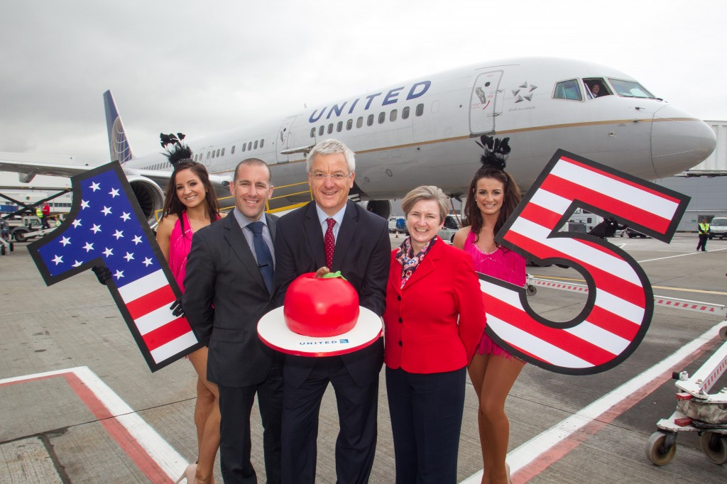 United Airlines Celebrates 15th Anniversary Of Glasgow New York Service Paisley Scotland