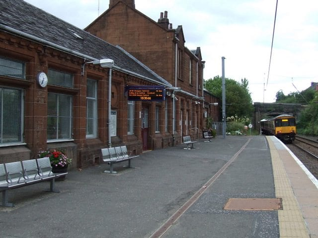 johnstone-train-station
