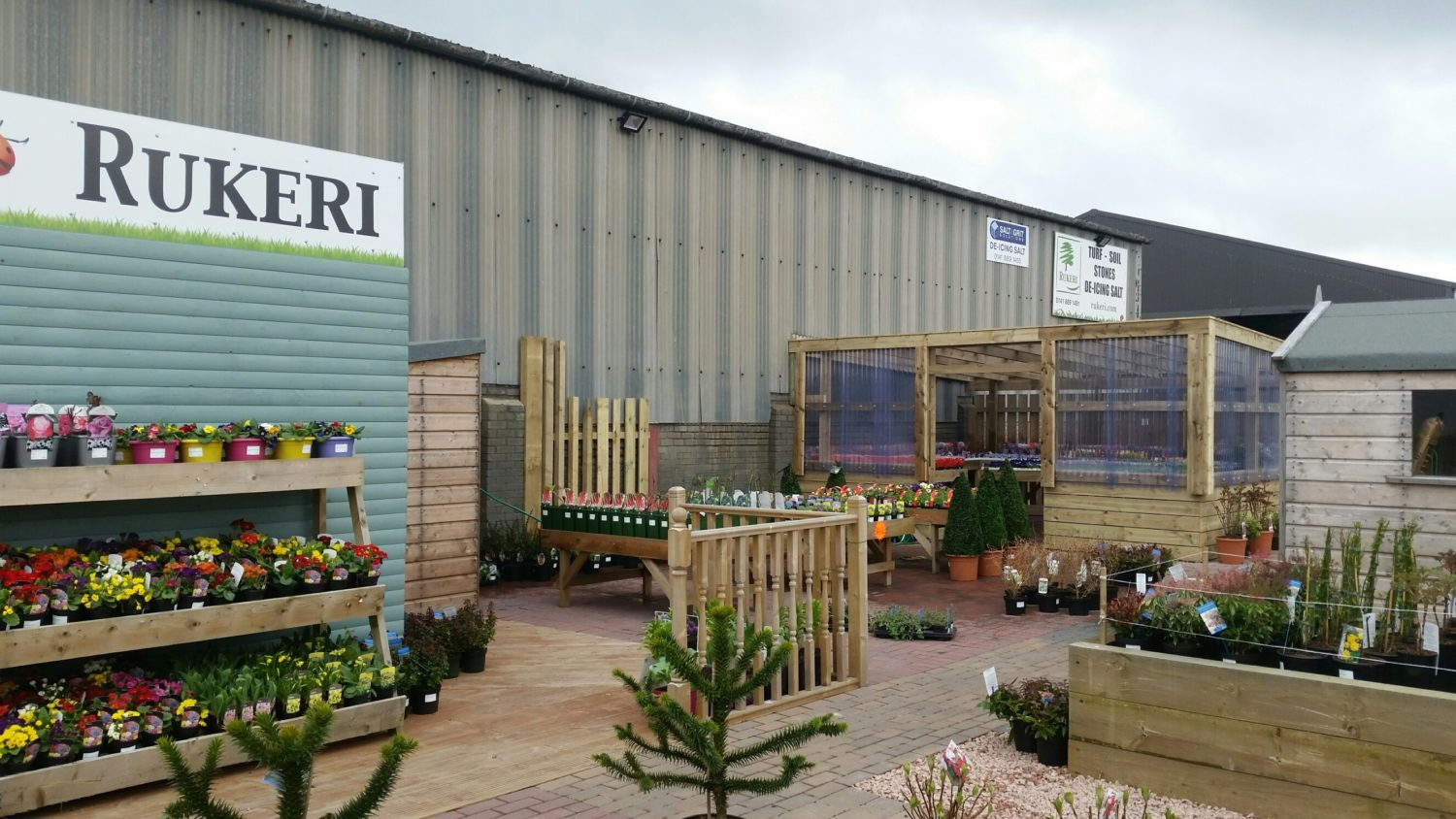 Lean to with bedding plants