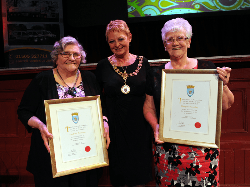 1-Distinction Certificate winners Elizabeth Anderson and Margaret Gourlay with Renfrewshire Provost Anne Hall