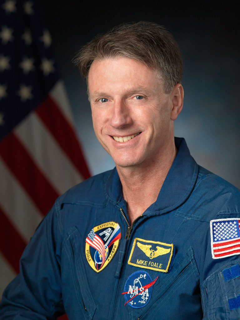 Official astronaut portrait of Michael C. Foale.  Photo Date: May 13, 2013.  Location: Building 8, Room 183 - Photo Studio.  Photographer: Robert Markowitz