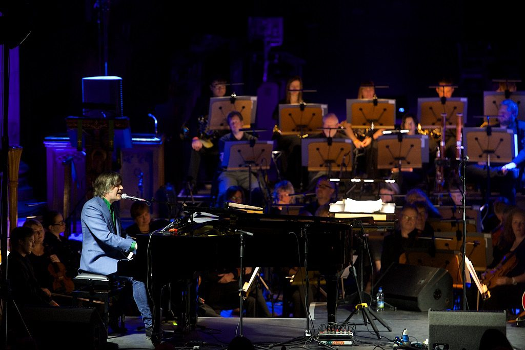 Justin Currie and the Royal Scottish National Orchestra performing in Paisley Abbey