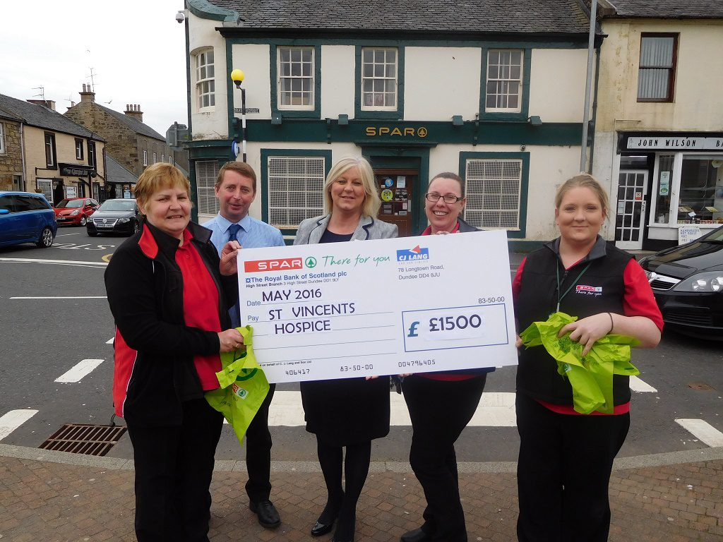 Back row: David Cunningham, Spar Area Manager, Fundraiser Carol-Anne Lamont, Karen Shaw, Lochwinnoch Store Manager. Front row: Elaine McCalI and Lynne Neil both Store Assistants