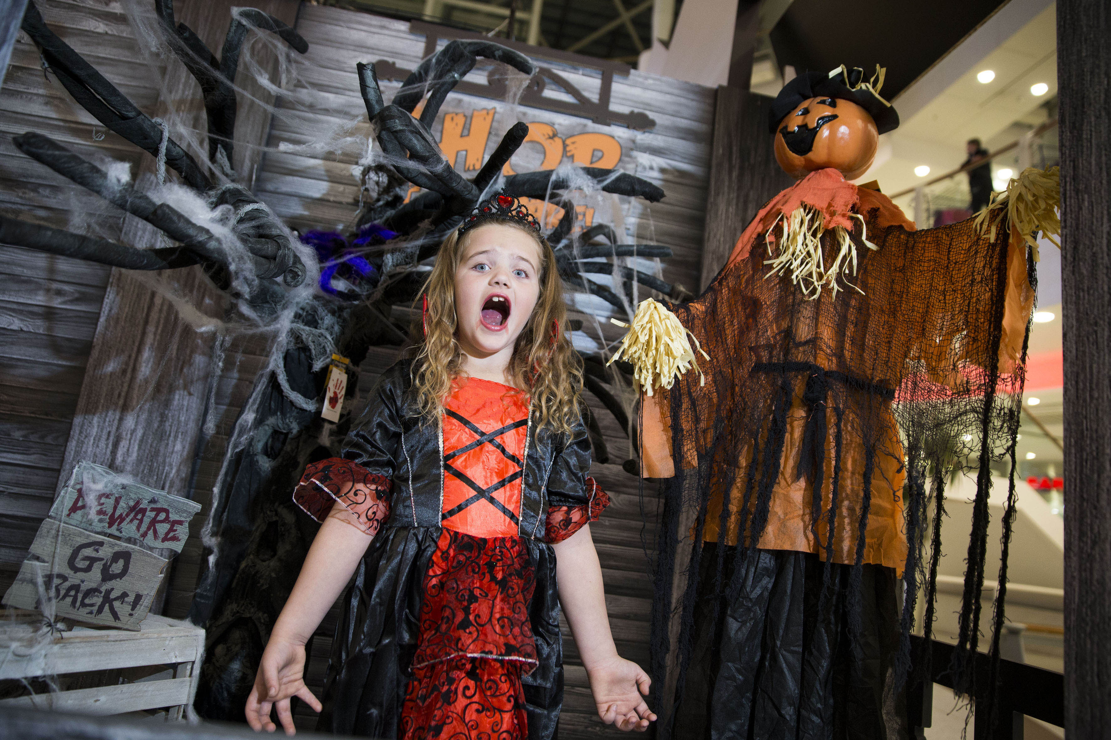 let's mall go trick or treating - paisley scotland