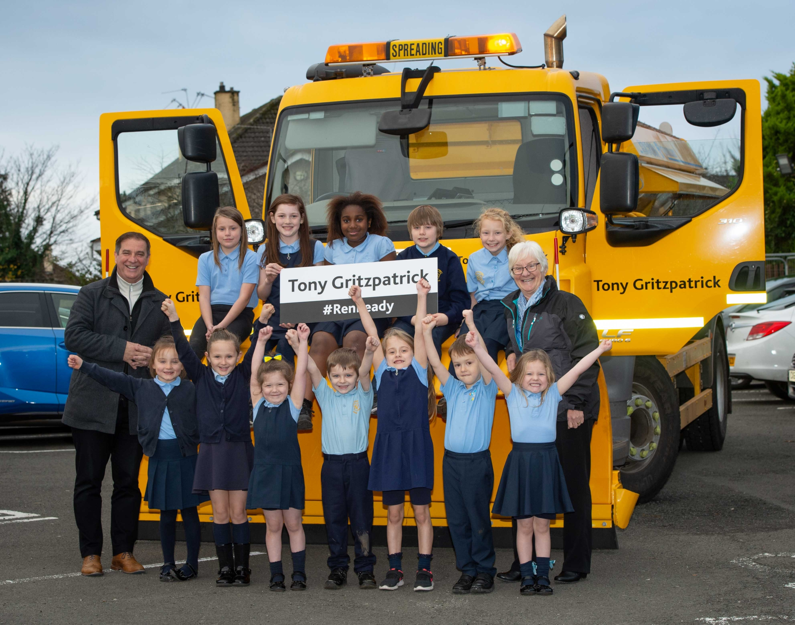 Tony Fitzpatrick, Councillor Cathy McEwan and St Catherine's Primary pupils (3)