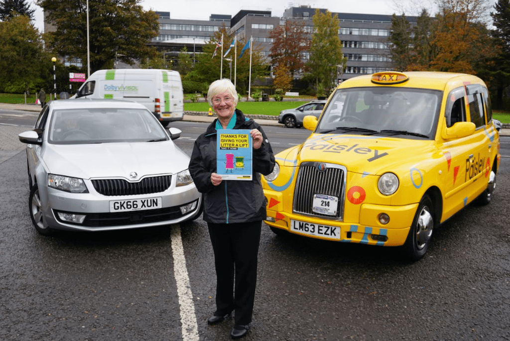 Cllr Cathy McEwan supporting the roadside litter campaign