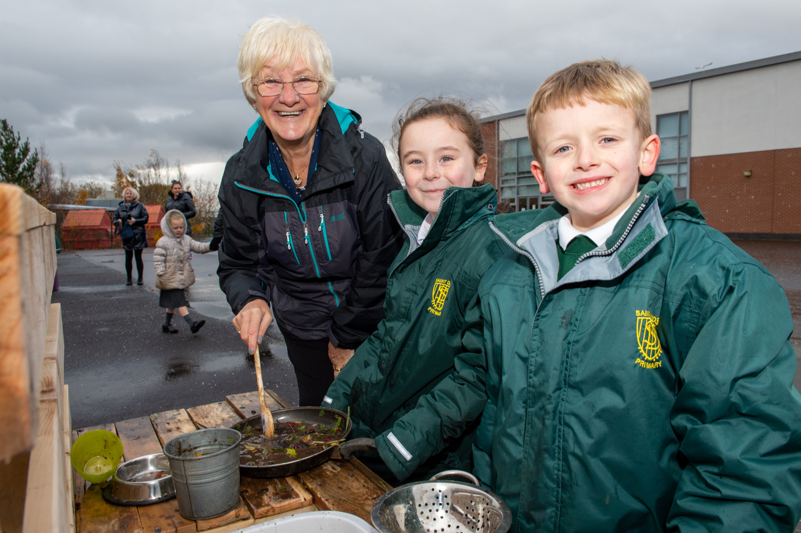 Cllr Cathy McEwan with St David's Primary pupils