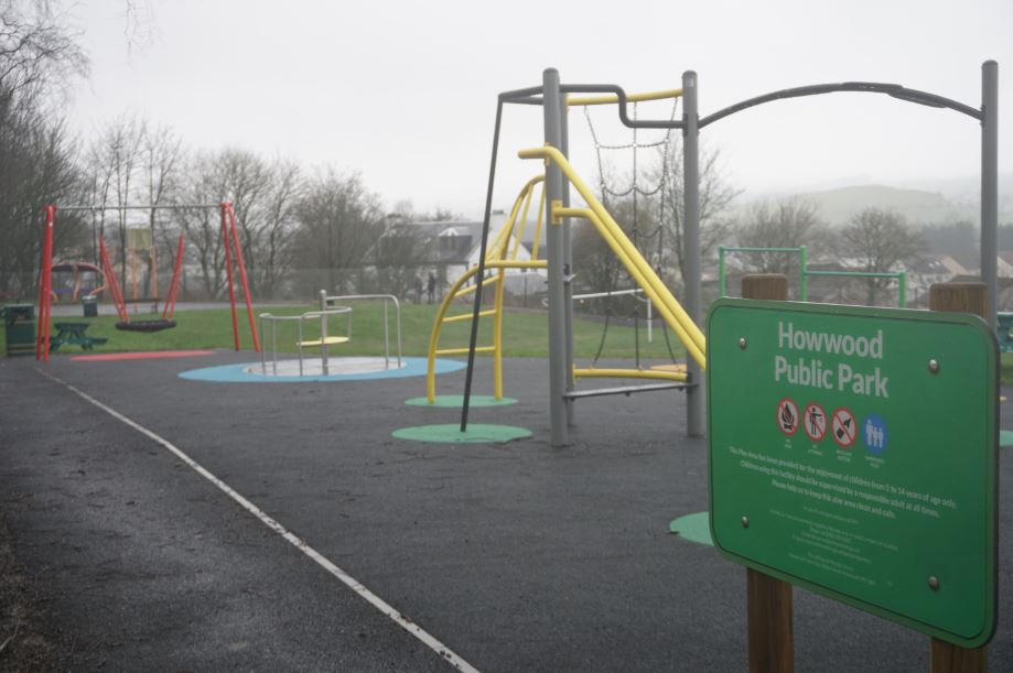 Howwood Park - climbing frame and swing