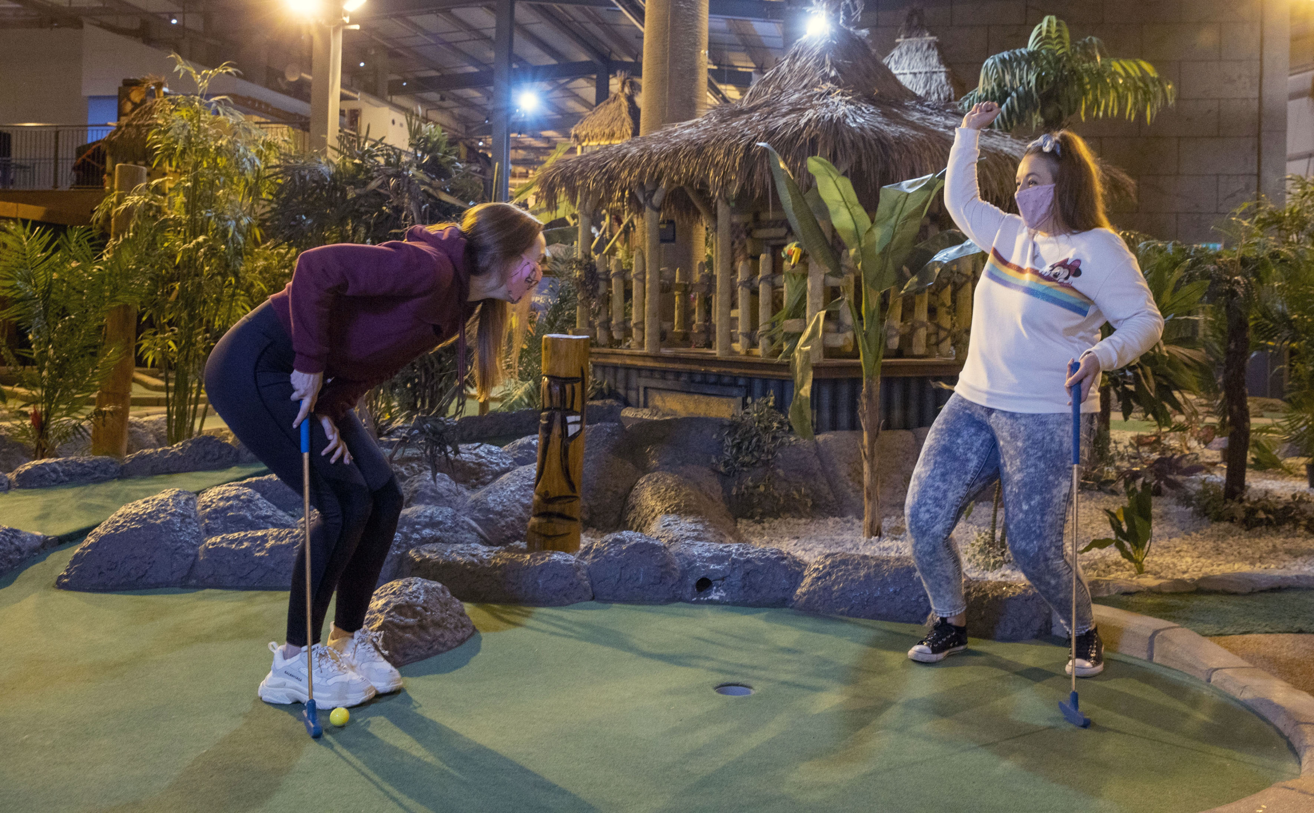 Jessica Cushley, 30, with friend 31-year-old Victoria Smith, both from Erskine Renfrewshire enjoy a game of adventure golf in Soar at intu Braehead.