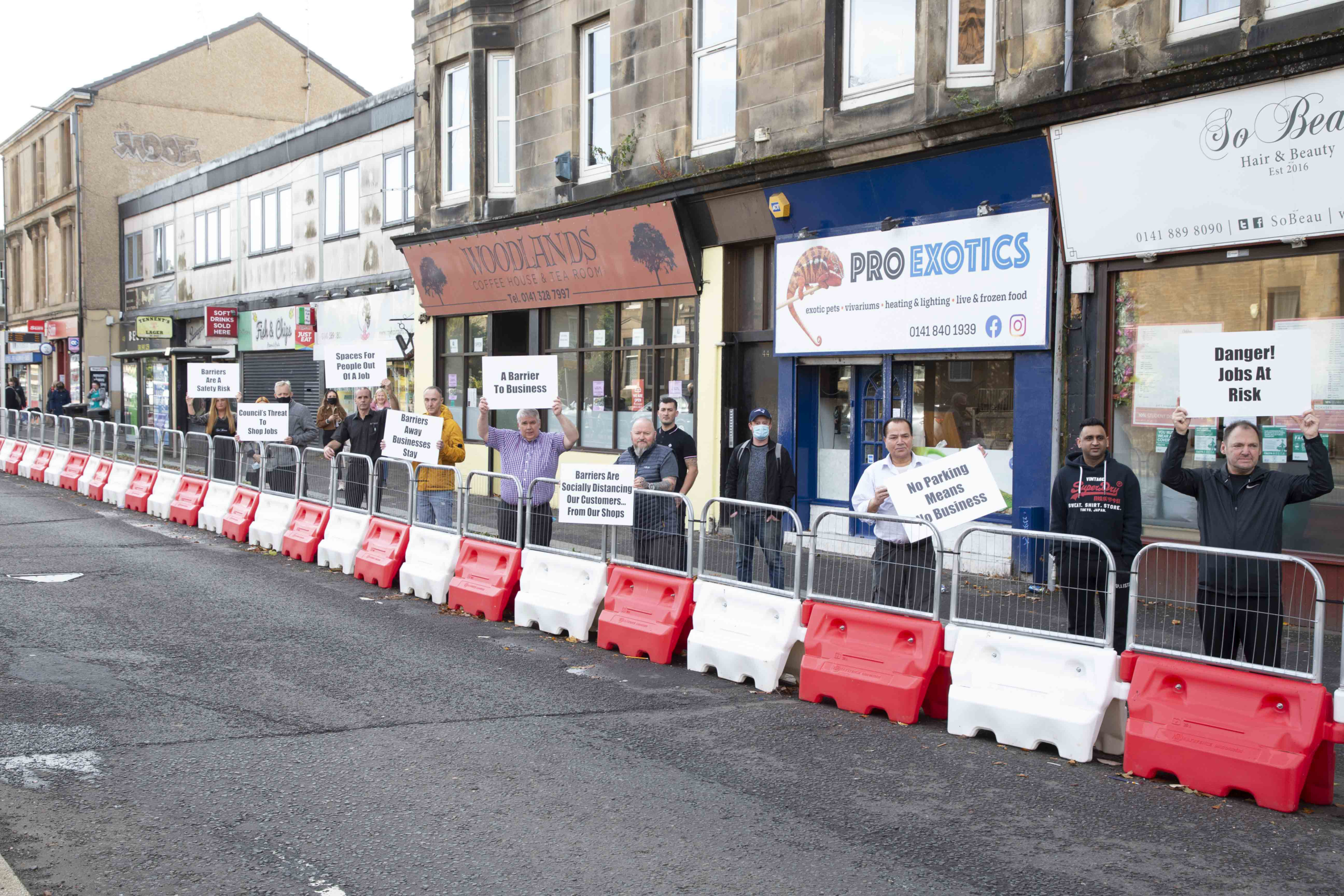 Paisley Barrier
