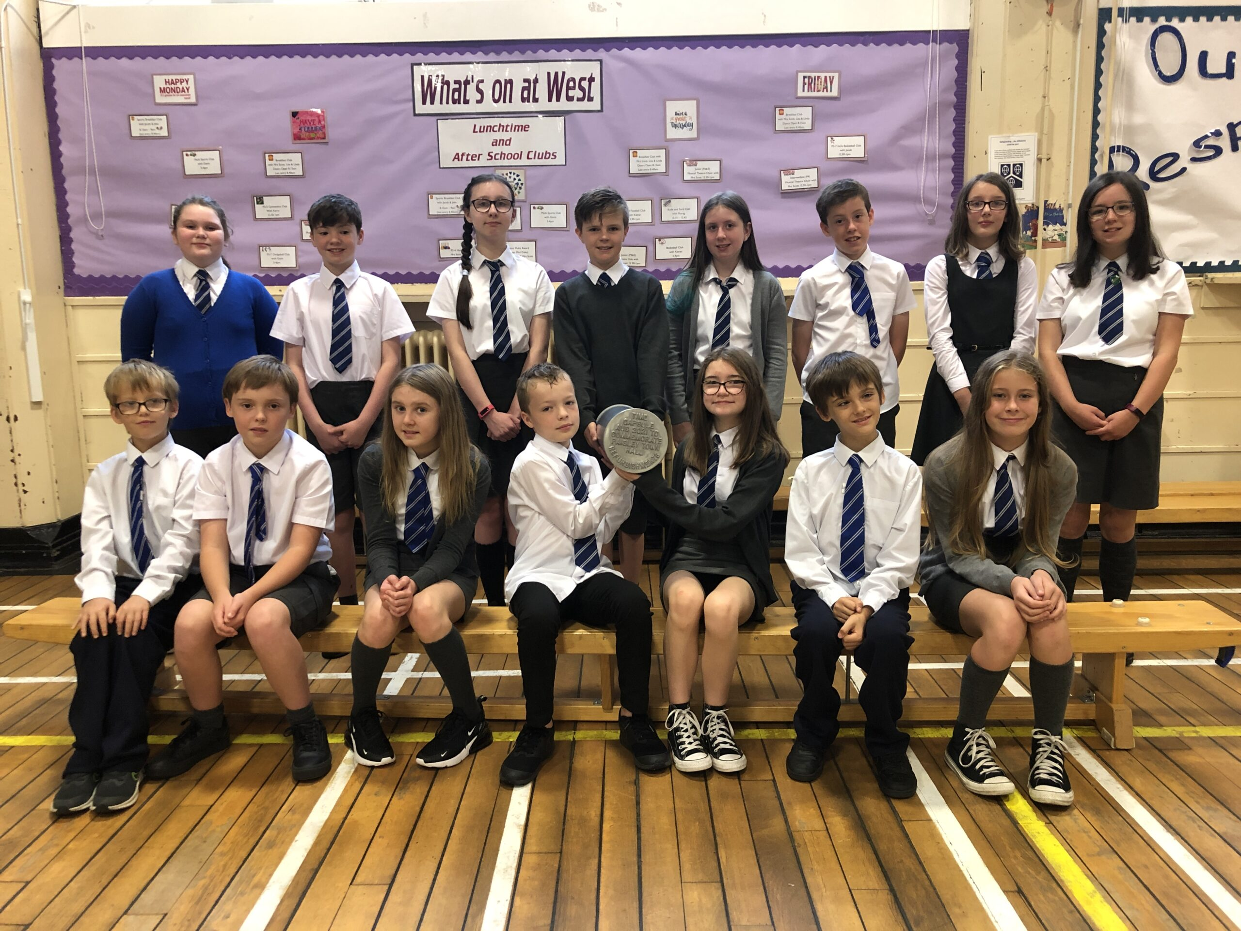 Primary 7 pupils from West Primary School with the time capsule